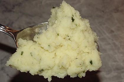 Kartoffelpüree mit Knoblauch und Kräutern 8