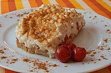 'Tiramisu' aus Baileysbrot, Sauerkirschen und Hüttenkäse