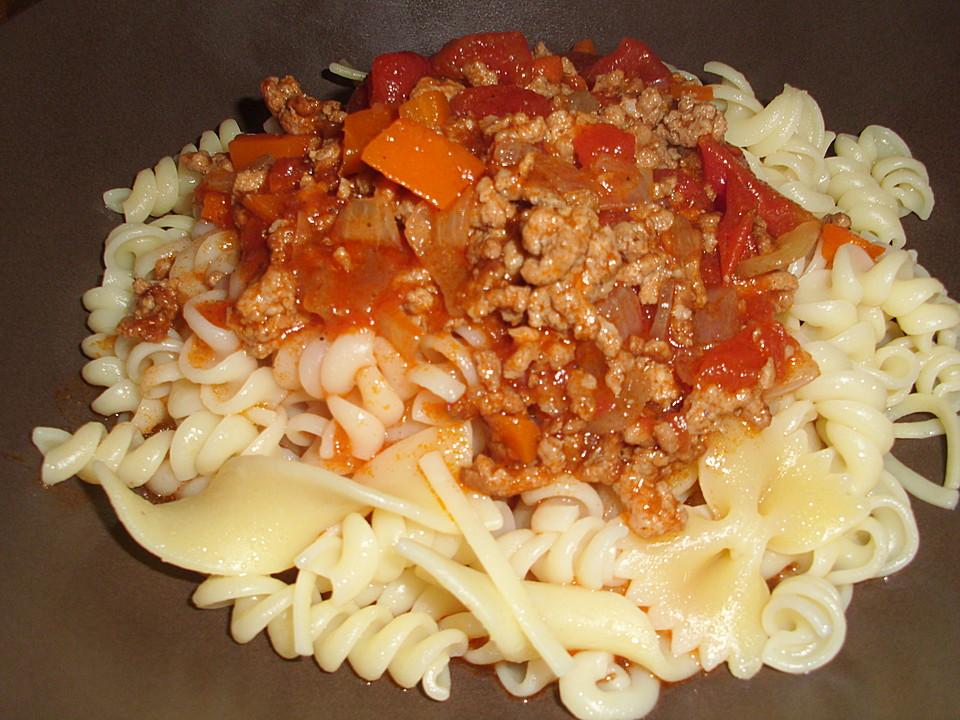 spaghetti mit hackfleisch bolognese rezept mit bild. Black Bedroom Furniture Sets. Home Design Ideas
