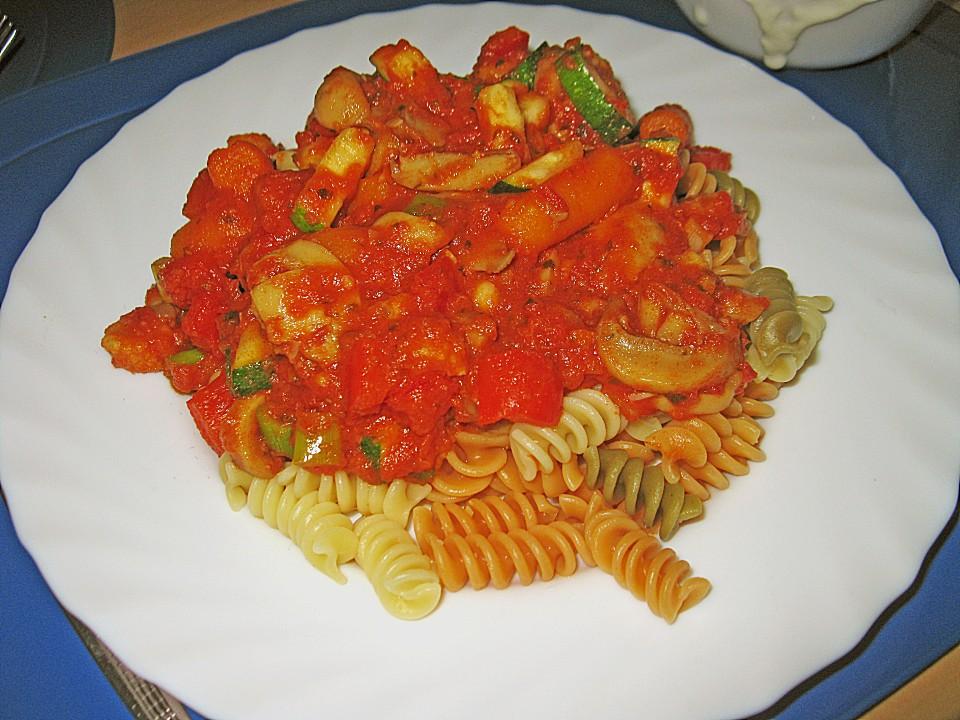 pasta tricolore zu cremig w rziger tomatensauce rezept mit bild. Black Bedroom Furniture Sets. Home Design Ideas