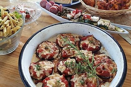 Auberginen mit Tomatensugo und Parmesan überbacken