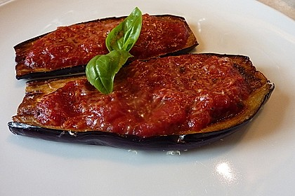 Auberginen mit Tomatensugo und Parmesan überbacken 11