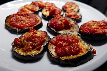 Auberginen mit Tomatensugo und Parmesan überbacken 12