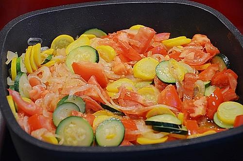 zucchini tomaten zwiebel gem se rezept mit bild. Black Bedroom Furniture Sets. Home Design Ideas
