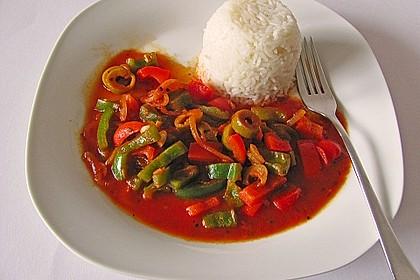 Reis zu roter Sauce