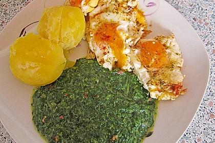 Spinat, Spiegelei und Salzkartoffeln 22