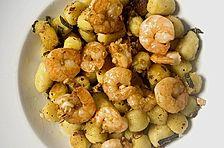 Gnocchi mit Salbei und Garnelen