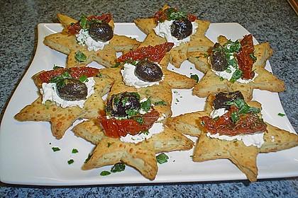 Parmesansterne mit Tomaten und Oliven 17