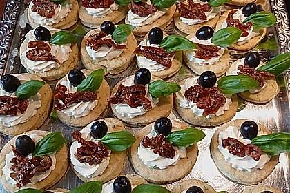 Parmesansterne mit Tomaten und Oliven 13