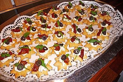 Parmesansterne mit Tomaten und Oliven 23