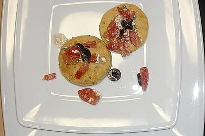 Parmesansterne mit Tomaten und Oliven 52