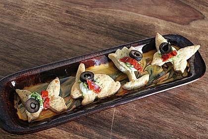 Parmesansterne mit Tomaten und Oliven 15