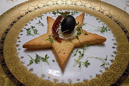 Parmesansterne mit Tomaten und Oliven 7