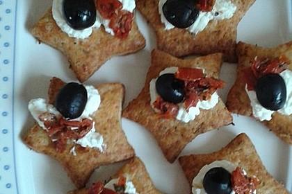 Parmesansterne mit Tomaten und Oliven 30
