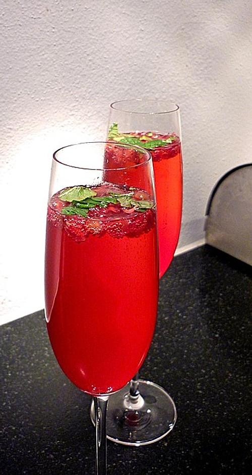 granatapfel drink mit prosecco und minze rezept mit bild. Black Bedroom Furniture Sets. Home Design Ideas