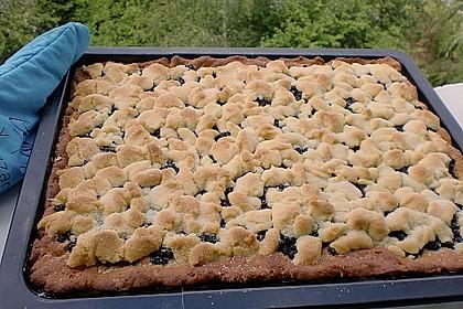 Falscher Hefekuchen mit Blaubeeren und Streuseln 3