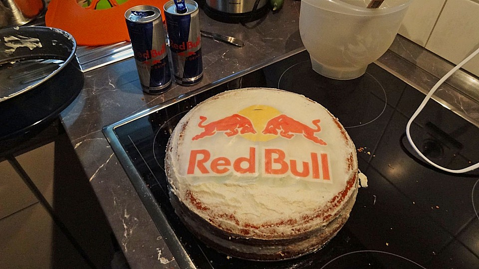 Red Bull Kühlschrank Wird Heiß : Red bull kühlschrank neu in stuttgart feuerbach