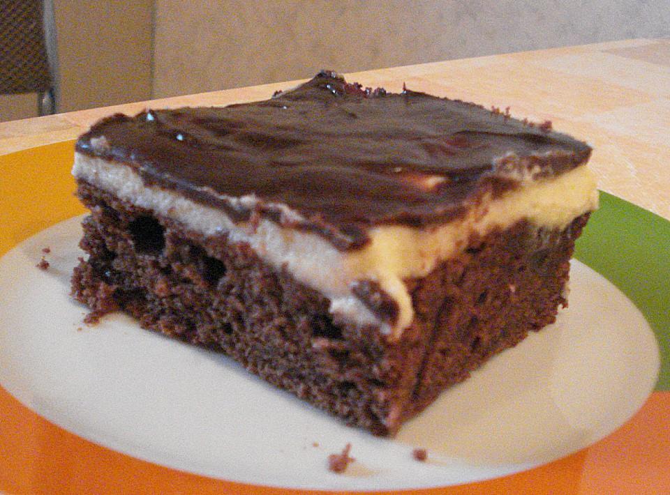 schokoladenkuchen mit kirschen und pudding von annett dm. Black Bedroom Furniture Sets. Home Design Ideas