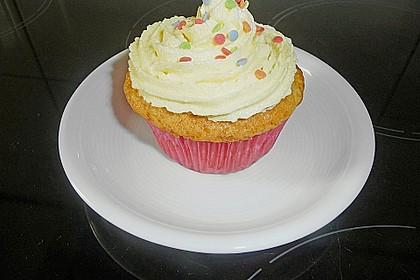 Vanilla Cupcakes 8