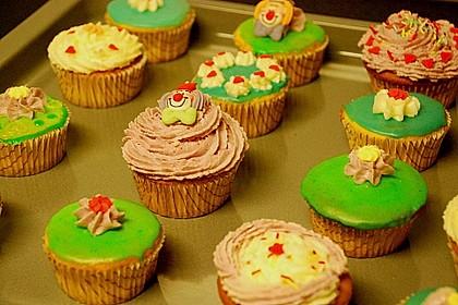 Vanilla Cupcakes 14