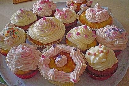 Vanilla Cupcakes 37