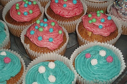 Vanilla Cupcakes 21