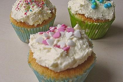 Vanilla Cupcakes 34