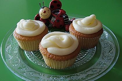Vanilla Cupcakes 35