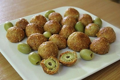 Oliven im Parmesan - Teig - Mantel 1