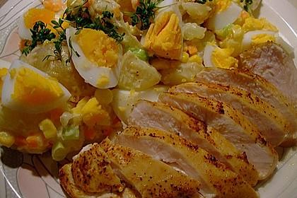 Hühnchenbrust mit buntem Kartoffelsalat