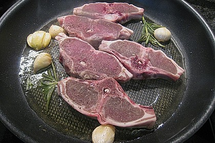 Lammkoteletts mit Champignon - Lauch - Gemüse und Petersilienkartoffeln 2