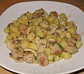 Kartoffel - Champignonpfanne mit Hackfleischbällchen (Bild)
