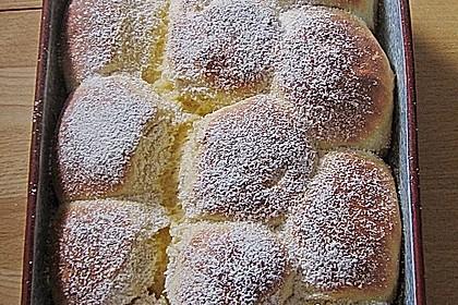 Bayerische Rohrnudeln mit Zuckerkruste