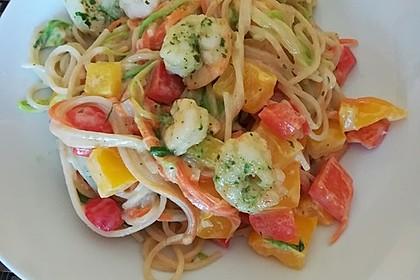 Gemüsespaghetti mit Shrimps 11