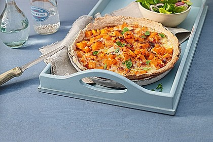 Rezeptbild zum Rezept Kürbis - Raclettekuchen
