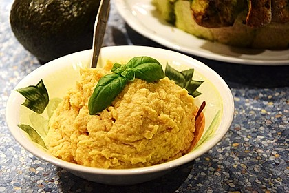 Merceiles Hummus auf türkische Art 10