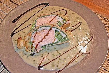 Lachs im Blätterteig mit Champagner-Estragon-Sauce 3