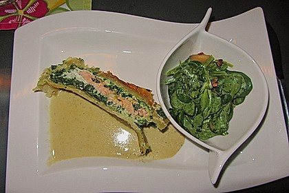 Lachs im Blätterteig mit Champagner-Estragon-Sauce 5