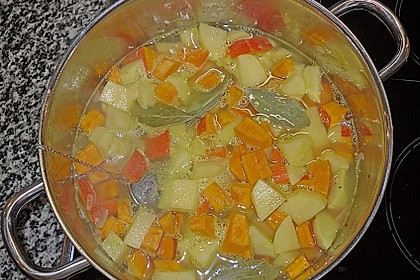 Kartoffel-Kürbis-Suppe 31