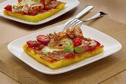 Knusprige Kartoffelpizza mit Speck und Mozzarella