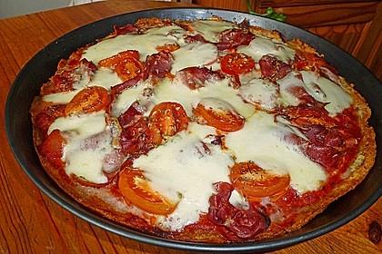 Knusprige Kartoffelpizza mit Speck und Mozzarella 1