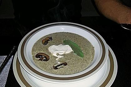 Champignon - Cremesuppe mit Salbei