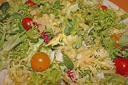 Unsere liebste Salatsoße 14