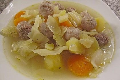 Kohlsuppe mit Kartoffeln und Fleischbällchen 1