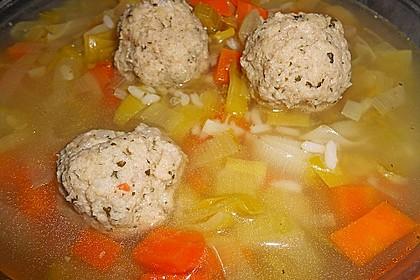 Kohlsuppe mit Kartoffeln und Fleischbällchen 3