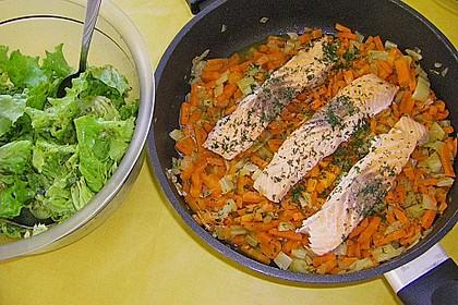 Sanft gegarter Lachs auf Möhren - Orangen - Fenchel - Gemüse 12