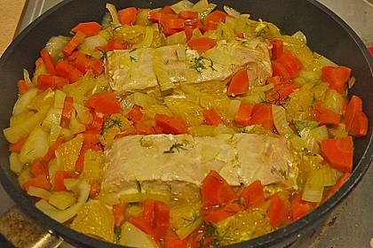 Sanft gegarter Lachs auf Möhren - Orangen - Fenchel - Gemüse 13