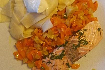 Sanft gegarter Lachs auf Möhren - Orangen - Fenchel - Gemüse 19
