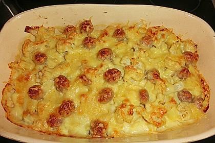 Blumenkohlauflauf mit Bratwurstbällchen und Kartoffeln 5