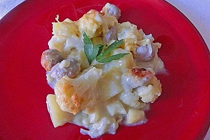 Blumenkohlauflauf mit Bratwurstbällchen und Kartoffeln 3